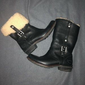 UGG Bellevue Black Leather & Sheepskin Boo…